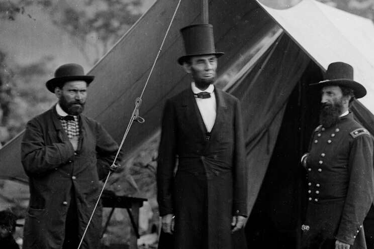Historical photo of Abraham Lincoln and Pinkerton.