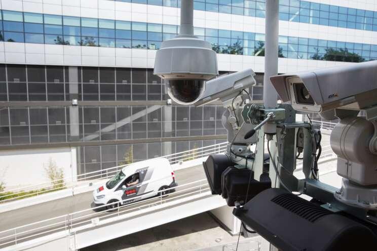 Tvoříme bezpečnostní řešení kombinací  lidí a inteligentních technologií