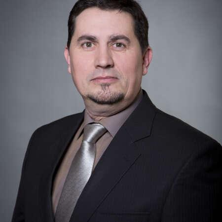 Michal Majer se pohybuje v oboru komerční bezpečnosti od r. 1992. V současné době je v SECURITAS ČR odpovědný za Area Západní a Jižní Čechy.