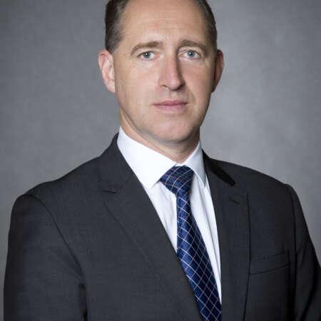 Ve vedení SECURITAS ČR od 1. 11. 2020 po 14 letech působení ve společnosti UPS, kdy byl country managerem poboček pro Česko a Slovensko, Polsko a nakonec Rusko a Bělorusko.