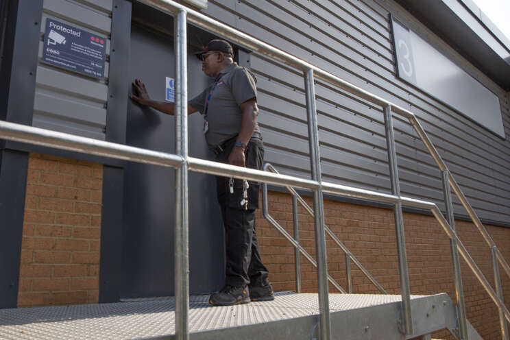 Lower insurance costs with keyholding services and alarm response | Securitas UK