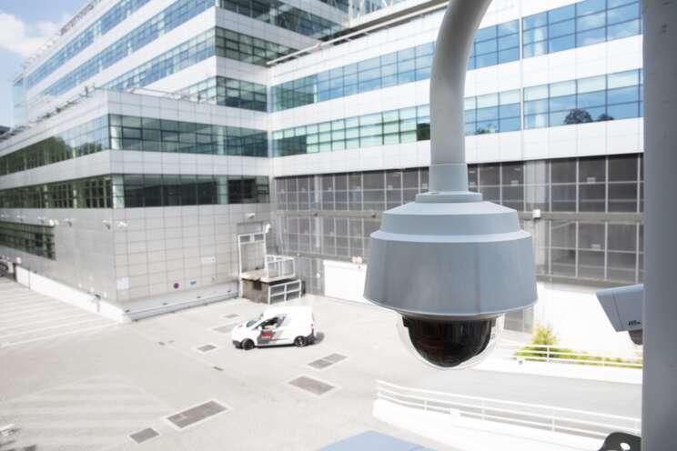 Securitas ČR poskytuje komplexní bezpečnostní služby s pevnou tradicí již od roku 1991.