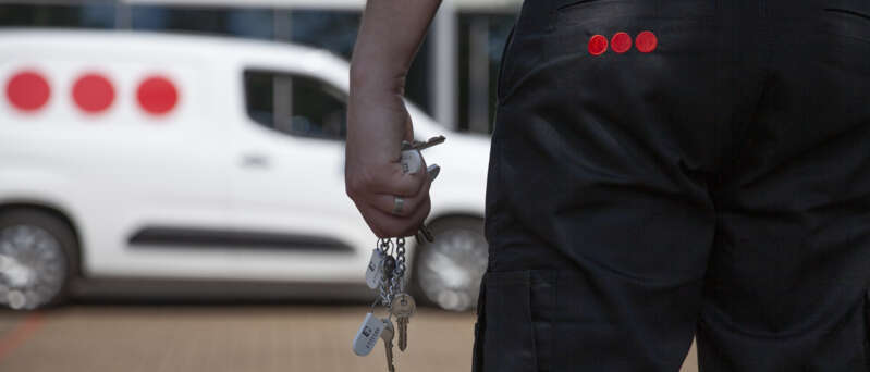 Locking and unlocking business premises - part of mobile security services | Securitas UK
