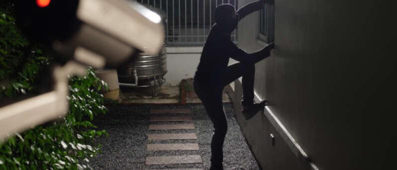Kamerové systémy zaznamenají vloupání do budovy
