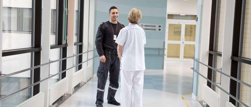 Guardia de Seguridad Securitas en hospital.
